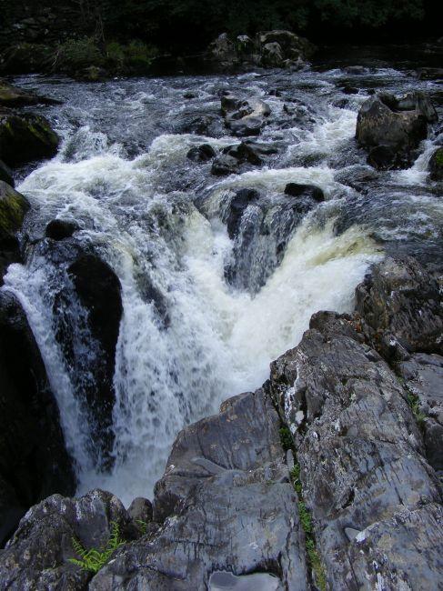Zdjęcia: Rhaedr Ewynnol, mały wodospad, ANGLIA