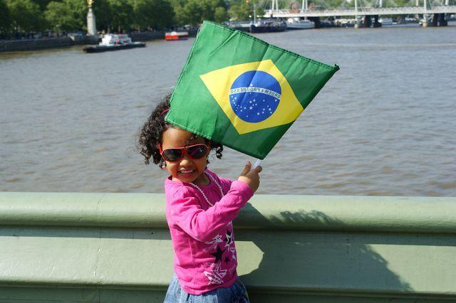 Zdjęcia: Londyn, Dziewczynka...nie z zapałkami..., ANGLIA
