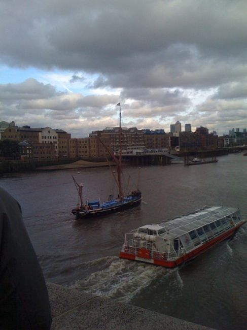 Zdjęcia: Londyn, ..., Łodzie na Tamizie, ANGLIA