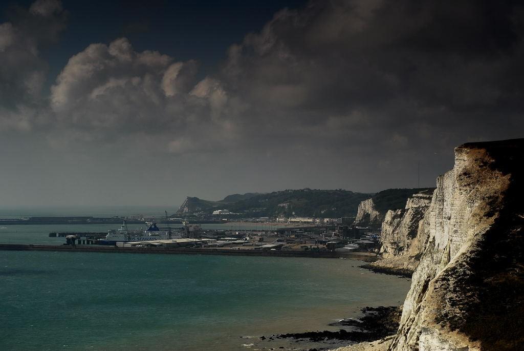 Zdjęcia: Dover, Południowo- wschodnia część Anglii, Port i klify w Dover, ANGLIA