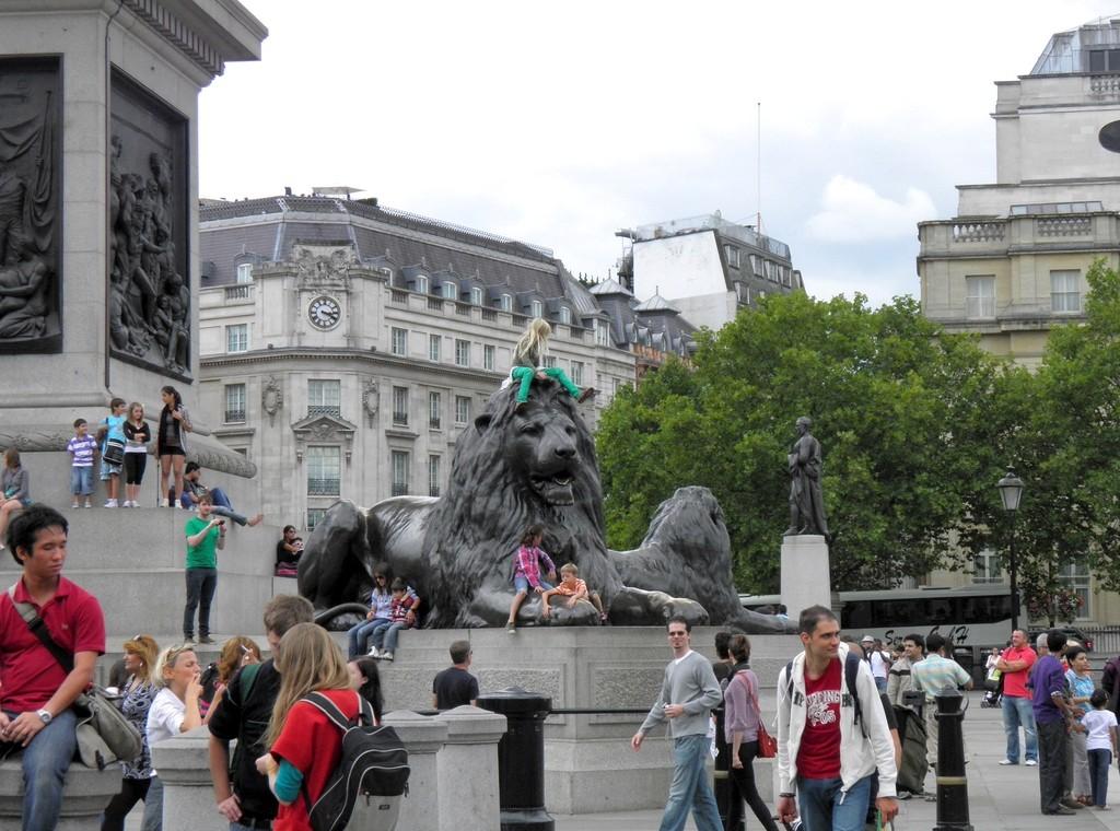 Zdjęcia: Londyn, Wielki Londyn, Lew na Placu Trafalgar Square , ANGLIA