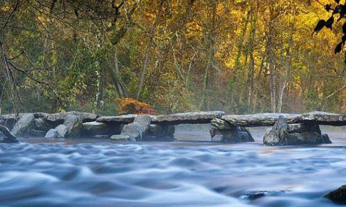 Zdjecie ANGLIA / Park Narodowy Exmoor, Sommerset / Dulverton / Kamienny most (Tarr Steps)