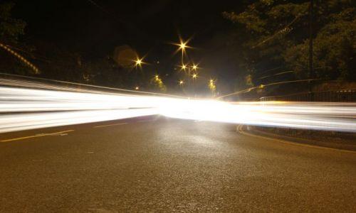 Zdjęcie ANGLIA / bath somerset / bath / na srodku ulicy noca