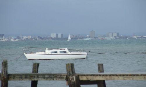 Zdjęcie ANGLIA / Isle Of White / poludniowa anglia / Portsmouth w tle