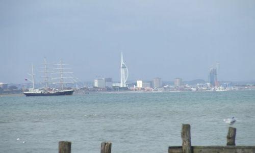 Zdjęcie ANGLIA / Isle Of White / poludniowa anglia / Portmouth w tle2