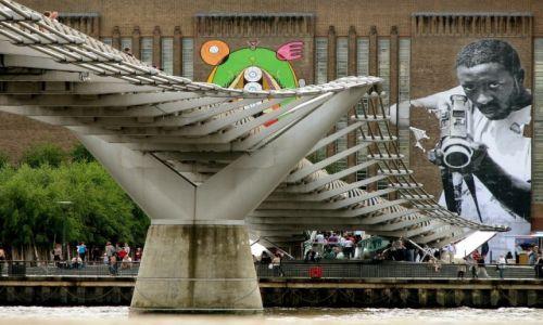 Zdjęcie ANGLIA / Londyn / Most milenijny / Na celowniku ;)