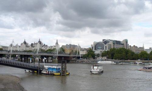 Zdjecie ANGLIA / Londyn / Londyn / Na Tamizie