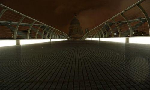 Zdjęcie ANGLIA / Wielki Londyn / Londyn / Most dla pieszych
