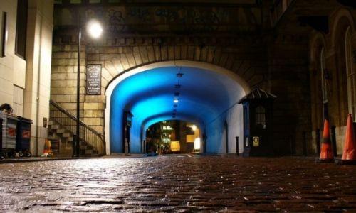 Zdjęcie ANGLIA / Wielki Londyn / Londyn / Zaułek nocą