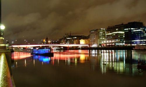 Zdjęcie ANGLIA / Wielki Londyn / Londyn / Nocny spokój nad Tamizą