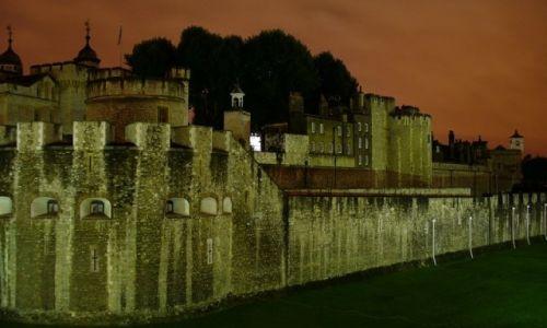 Zdjęcie ANGLIA / Wielki Londyn / Londyn / Zamek nocą