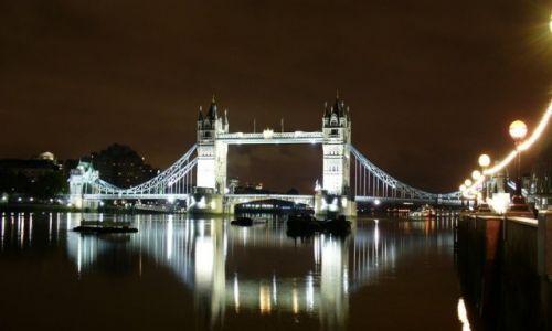 Zdjęcie ANGLIA / Wielki Londyn / Londyn / Bezludny Londyn nocą