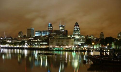 Zdjecie ANGLIA / Wielki Londyn / Londyn / Bezludny Londyn nocą