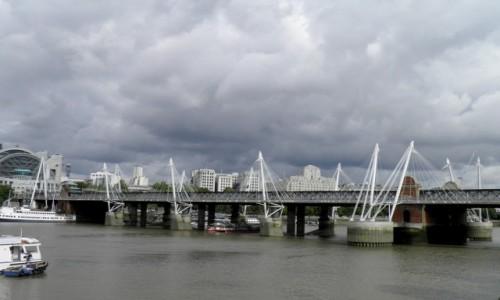 Zdjęcie ANGLIA / Wielki Londyn / Londyn / Burzowo nad Tamizą