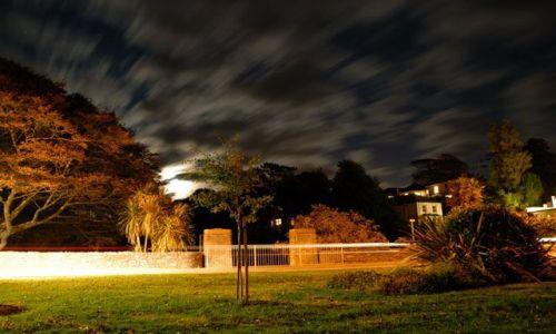 Zdjecie ANGLIA / Devon / Kingsbridge / barwy nocy