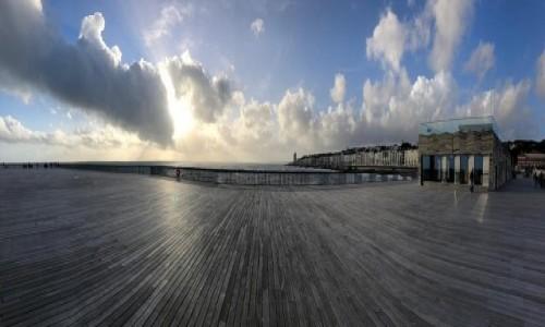 Zdjecie ANGLIA / Hrabstwo East Sussex / Hastings / Molo nad kanałem
