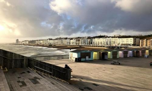 Zdjecie ANGLIA / Hrabstwo East Sussex / Hastings / Widok na miasto z mola