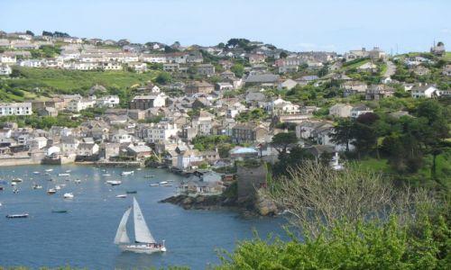 Zdjecie ANGLIA / Cornwall / Fowey widok na Polruen / Typowe miasteczko w Kornwalii