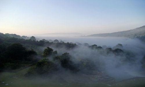 Zdjecie ANGLIA / Derbyshire / Peak District / mglisty poranek