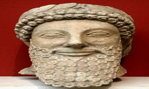 ANGLIA / Londyn / British Museum / Uśmiechnięta głowa władcy