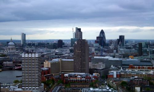 ANGLIA / - / Londyn / Panorama Londynu z cygarem w tle