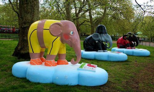 ANGLIA / - / Londyn / Słonie w Hyde Parku