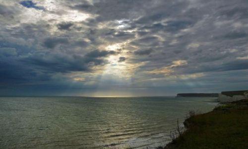 Zdjęcie ANGLIA / East Sussex / Eastbourne / Blask światła nad Seaford Head