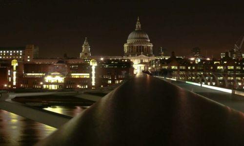Zdjecie ANGLIA / City / Londyn / Noc i katedra