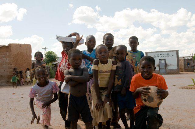 Zdjęcia: Południowa Angola, Prowinca Kunene, Małe miasto, ANGOLA