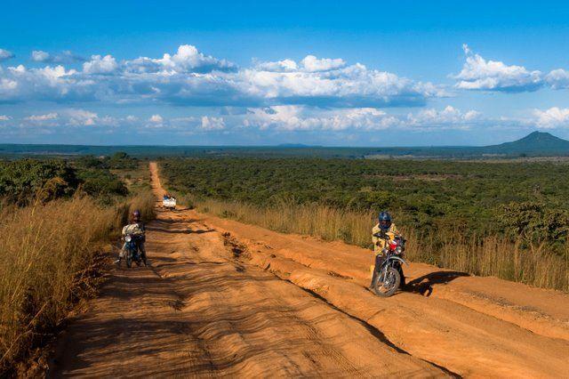 Zdjęcia: Południowa Angola, Prowinca Bije, Droga krajowa, ANGOLA