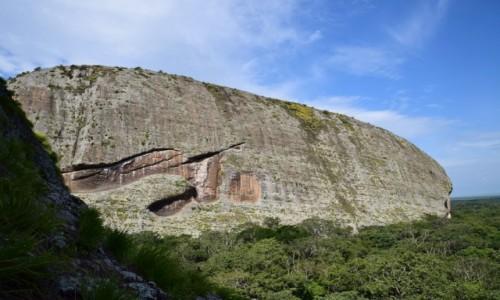 Zdjecie ANGOLA / Malanje / Pedras Gigantes / Jak wieloryb