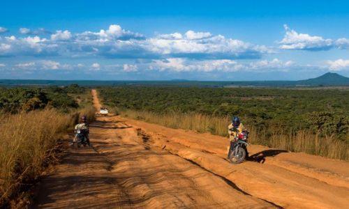 ANGOLA / Prowinca Bije / Południowa Angola / Droga krajowa