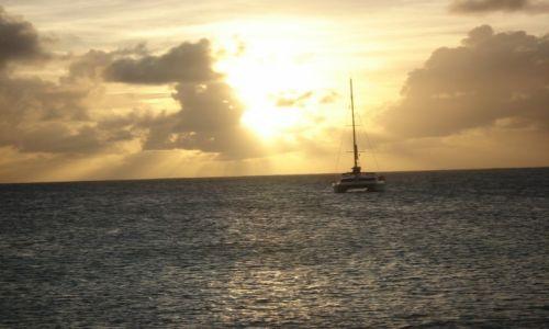 Zdjęcie ANGUILLA (WIELKA BRYTANIA) / Karaiby / Morze Karaibskie / Zachód Słóńca Na Morzu Karaibskim