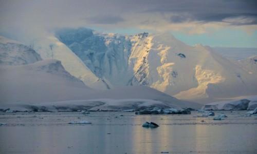 Zdjęcie ANTARKTYDA / Antarctic Peninsula / Antarktyda / Mroźne góry