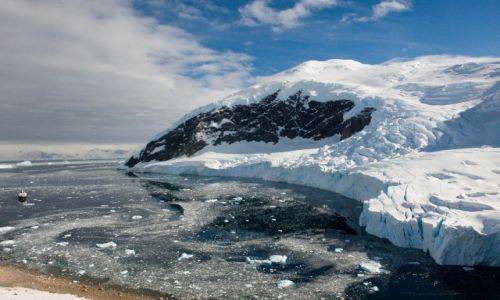 Zdjecie ANTARKTYDA / Półwysep Antarktyczny / Neko Harbour, część Andvord Bay, zachodnie wybrzeże Ziemi Grahama / Neko Harbour w blasku słońca