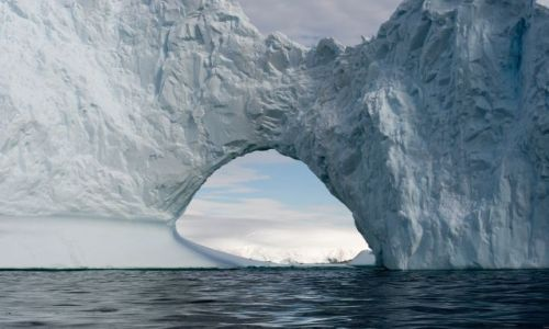 Zdjecie ANTARKTYDA / Półwysep Antarktyczny / Melchior Islands / Góra Lodowa