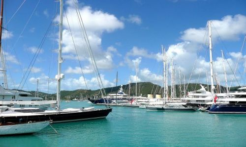 ANTIGUA I BARBUDA / Antigua / south coast / Jachty w English Harbour 3