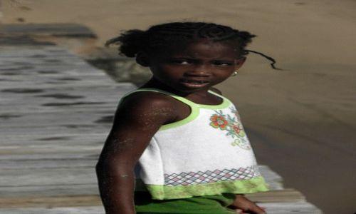 Zdjęcie ANTIGUA I BARBUDA / ANTIGUA / ANTIGUA / Dziecko..