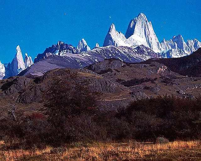 Zdjęcia: okolice miasteczka Chalten, Ptagonia, masyw Fitz  Roya z drogi, ARGENTYNA