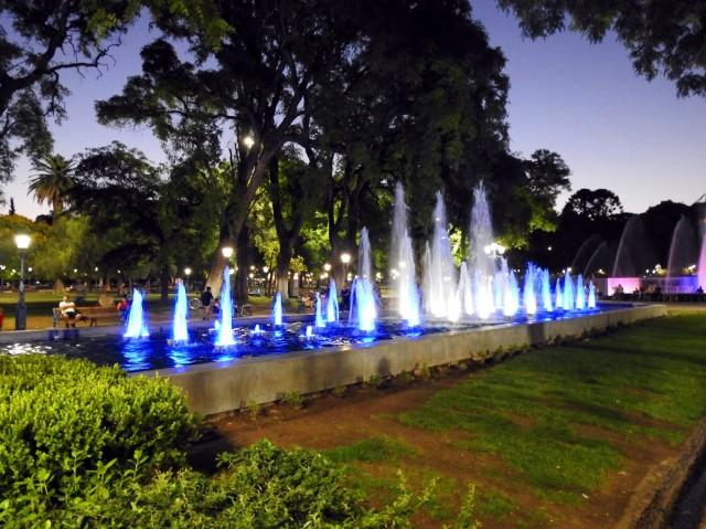 Zdjęcia: Plac Hiszpański, Mendoza, Fontanny, ARGENTYNA