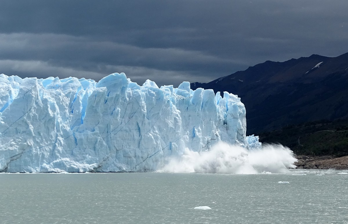 Zdjęcia: lodowiec Perito Moreno, Patagonia-Park Narodowy Los Glaciares, Lodowiec się cieli ;), ARGENTYNA