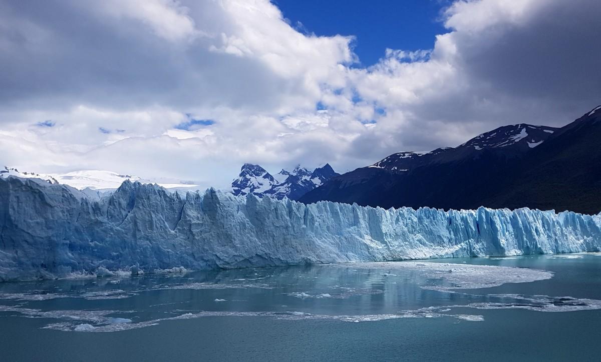Zdjęcia: Perito Moreno, Patagonia- Park Narodowy Los Glaciares, Też wiało, ale i tak było ładnie ;-) , ARGENTYNA