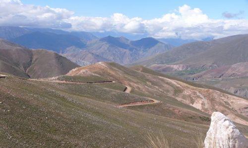ARGENTYNA / Jujuy / {rzełęcz / Z przełęczy 4050 m npm