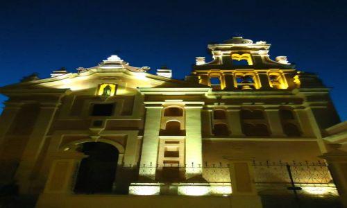 Zdjęcie ARGENTYNA / Cordoba / Cordoba / Cordoba nocą - kościół św. Teresy