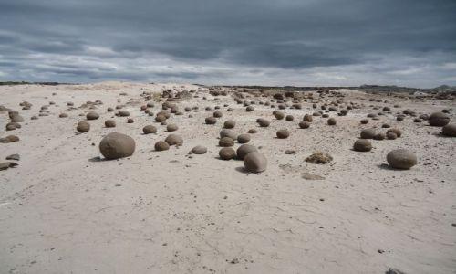 Zdjecie ARGENTYNA / San Juan / Park Narodowy Ischigualasto / Formacje skalne