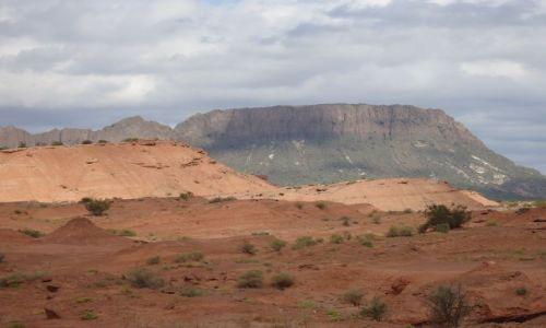 ARGENTYNA / San Juan / Park Narodowy Ischigualasto / Kolory pustyni