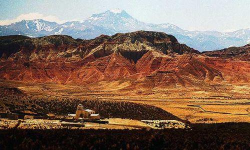 Zdjęcie ARGENTYNA / Puna czyli Altiplano / cala wies Oratorio widziana z przeleczy Timon Cruz (ok 4600 mnpm) / Magiczna Puna