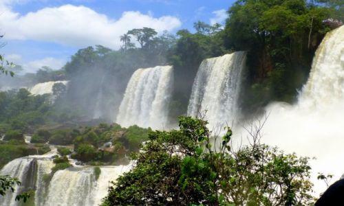 Zdjęcie ARGENTYNA / Park Wodospadów Iguasu / okolice Puerto Igusu / wodospady  Iguasu - Argentyna
