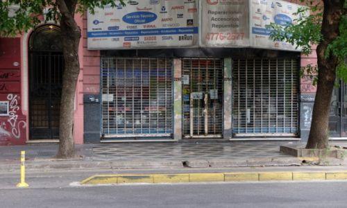 ARGENTYNA / Buenos Aires / boczna uliczka od Plaza Italia / Zabezpieczenie sklepu