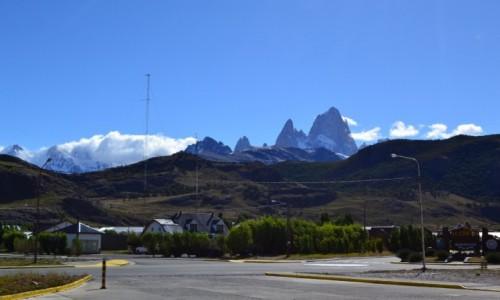 Zdjęcie ARGENTYNA / Patagonia / El Chalten / Bienvidos El Chalten ...bienvidos Fitz Roy